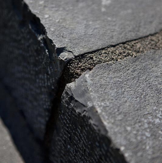 mursten i naturstens skifer