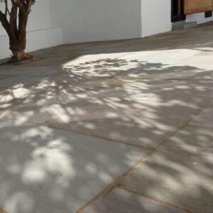 Olive sandstone - lette og lyse toner som passer til de fleste haver