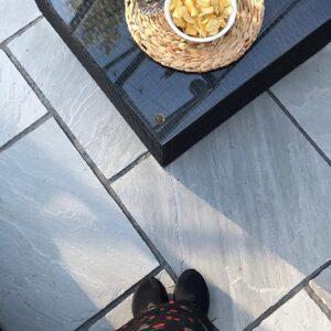 Grå fugesand til terrasse